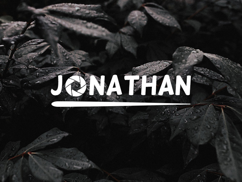 Name based logo with aperture